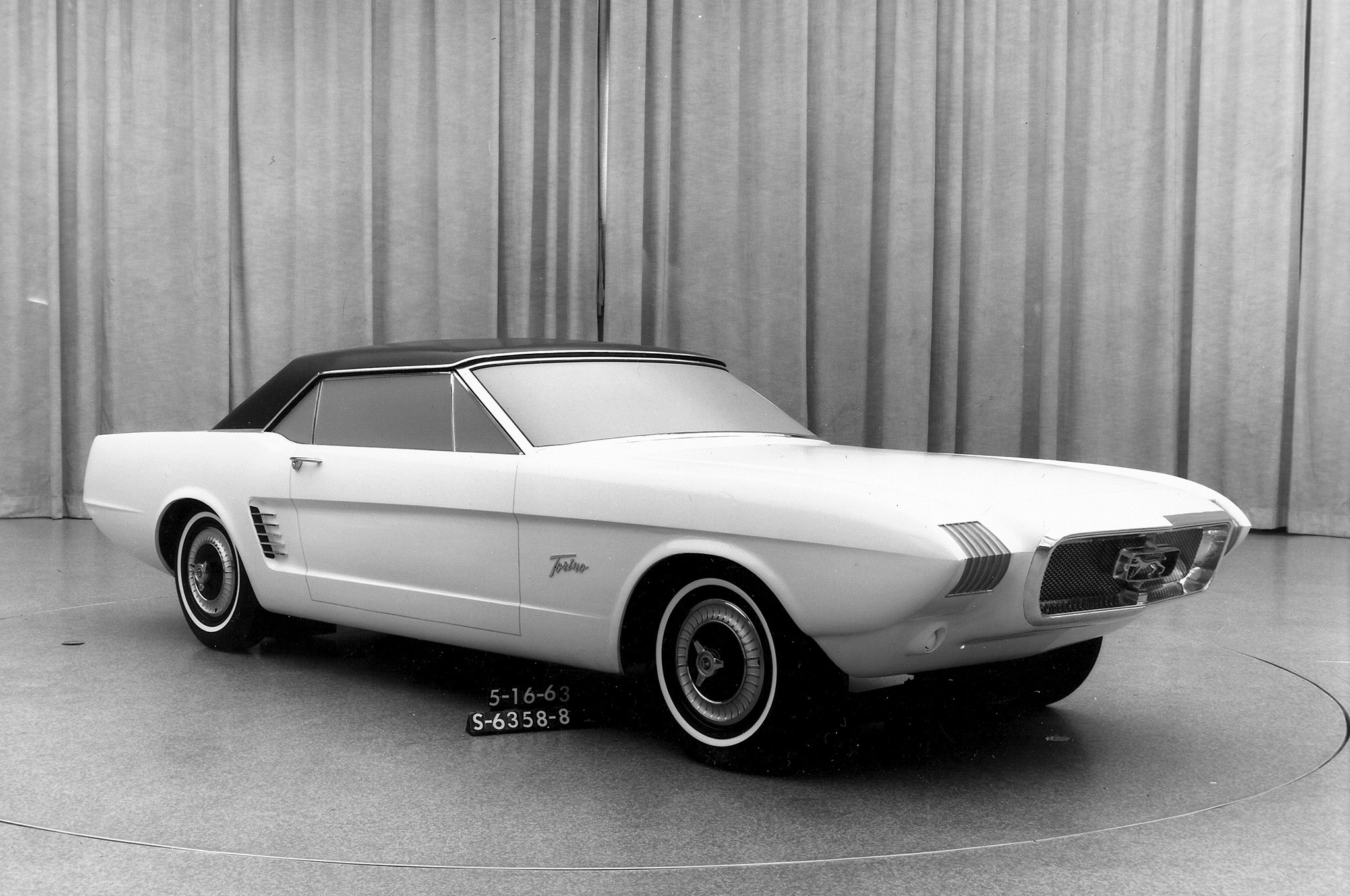 18 1963 Ford Mustang 2 Concept