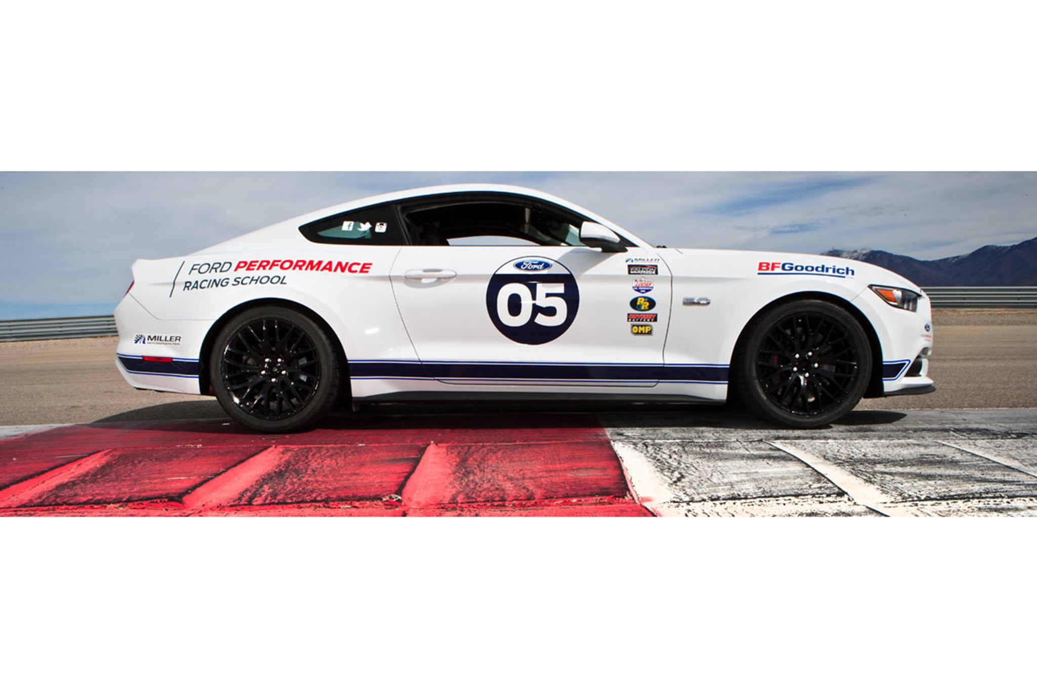 Shelby Mustang Gt350 Track 005