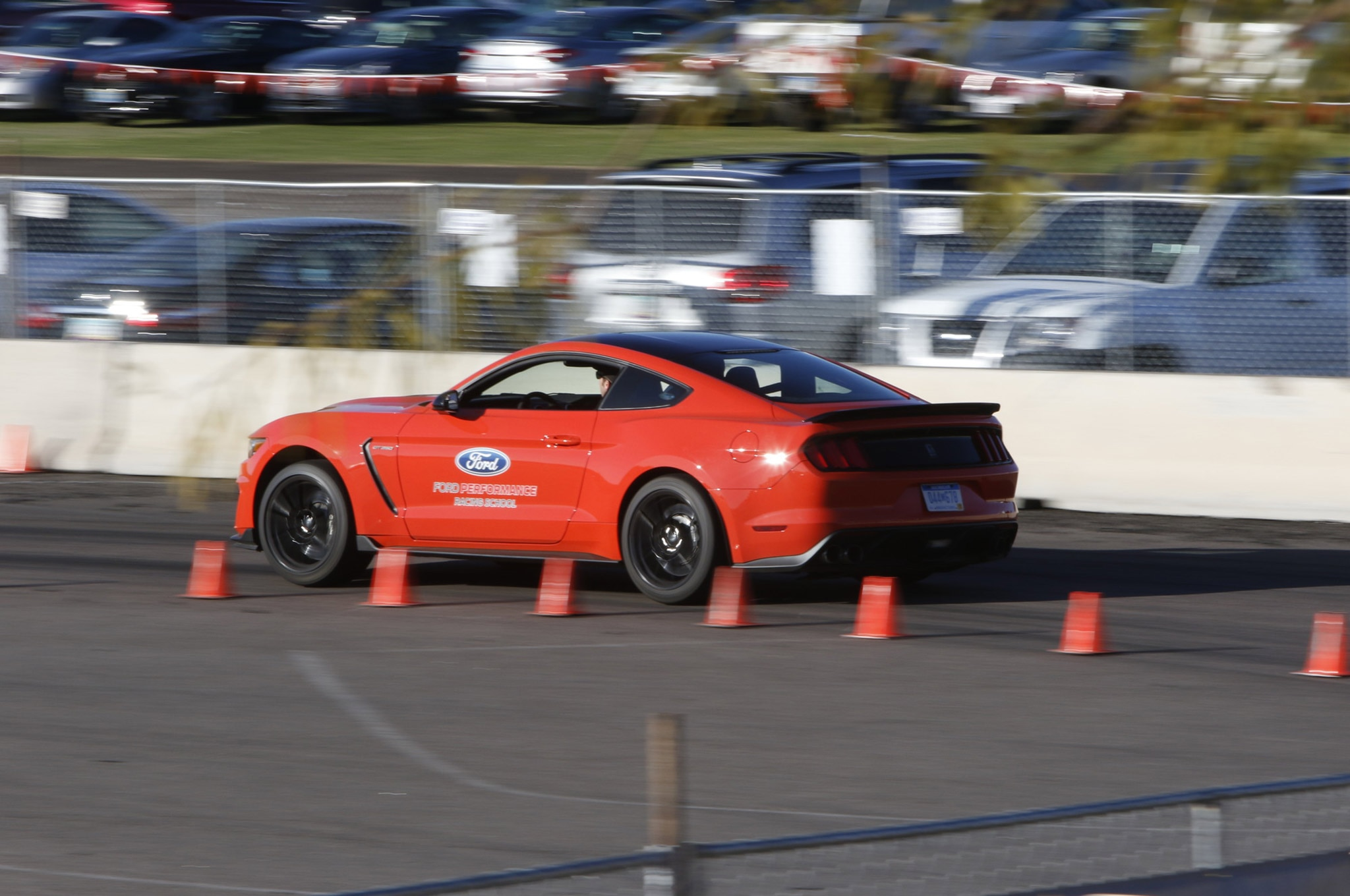 Ford Drive Along Shelby Gt350 Barrett Jackson 02