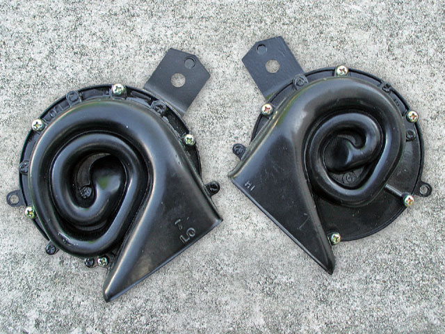 Vintage Ford Horn Replacement