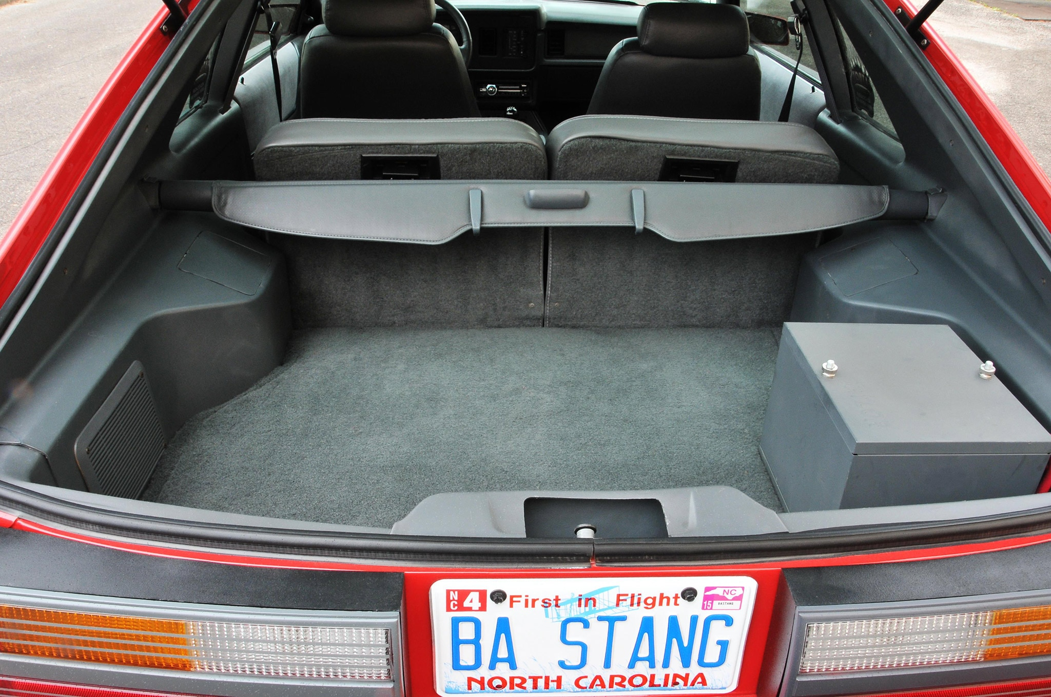1986 Ford Mustang Svo Coyote Vermillion Red Trunk