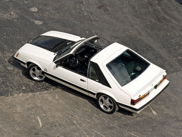 Mdmp 0809 03 Z 1983 Ford Mustang Gt Topview