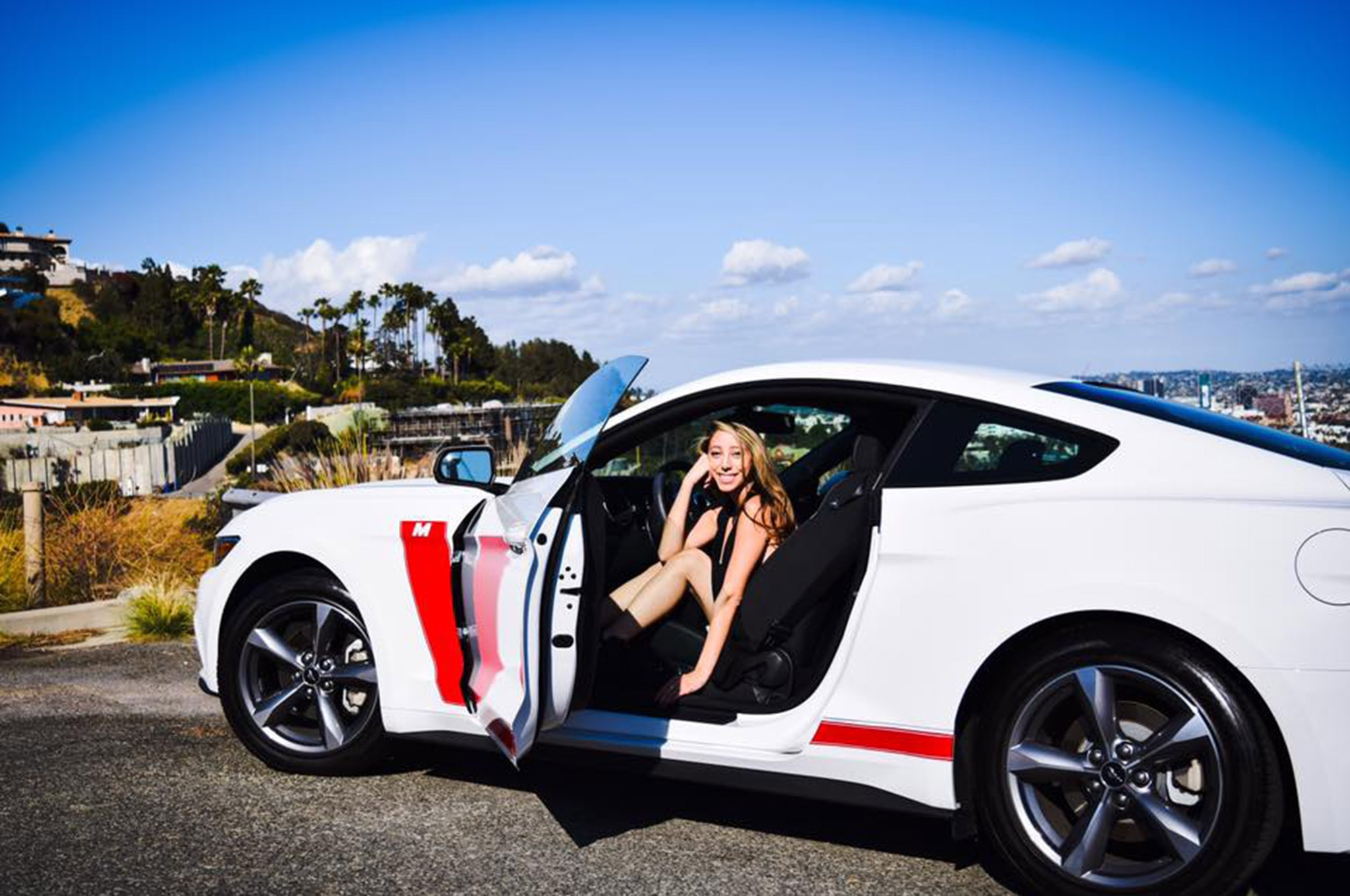 2015 Ford Mustang Mimi Estrada White Red Stripes 002