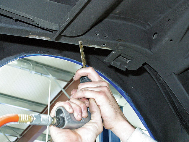 Mump 0809 09 Z How To Install A Coilover Rear Suspension