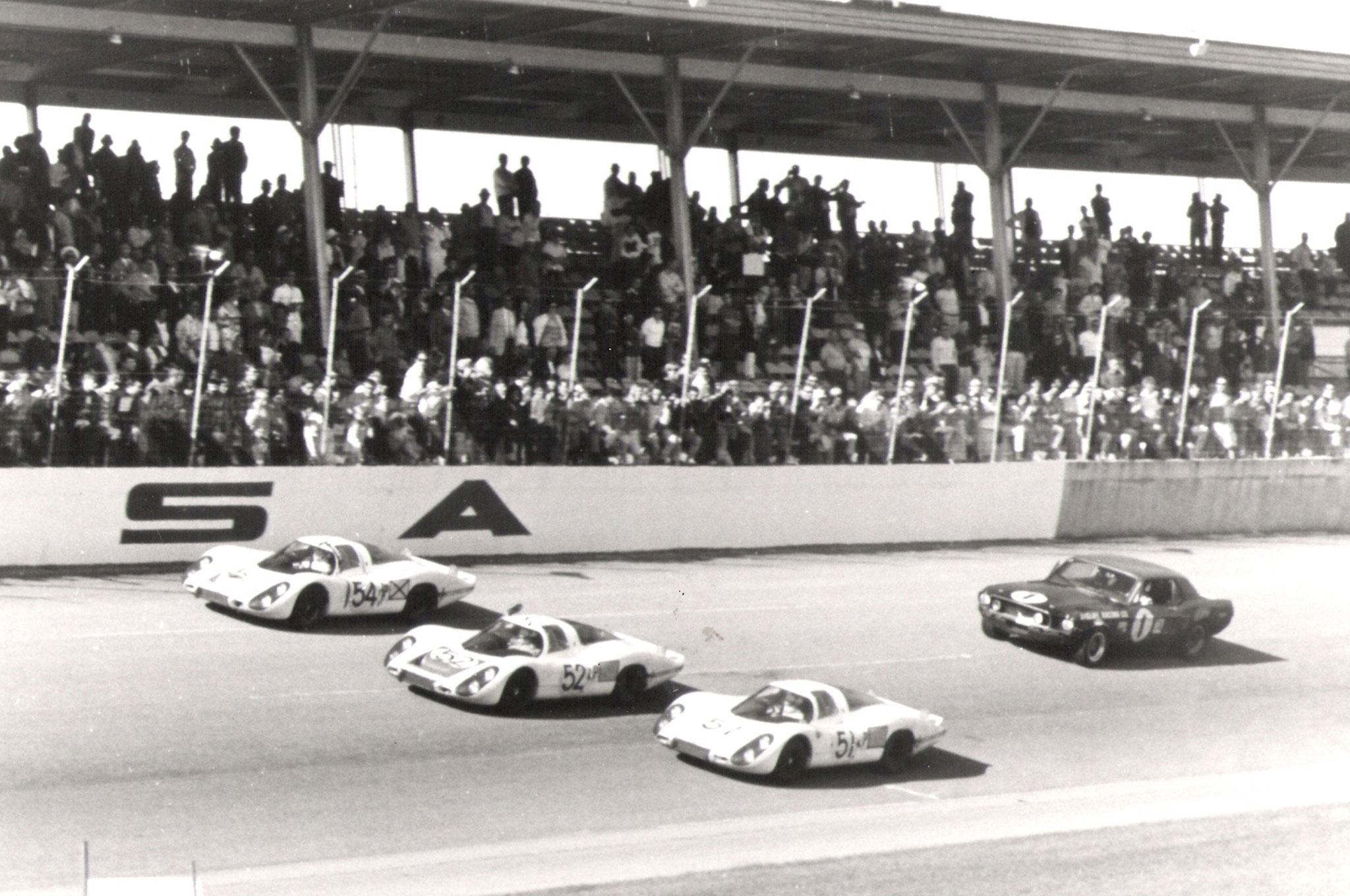 Ford Mustangs Racing Daytona