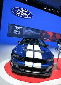 Ford Mustang Shelby Gt350 Vs Gt500 Blue Grille