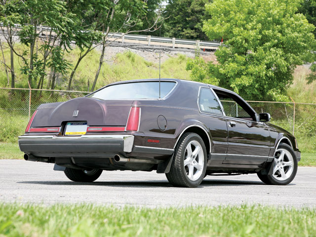 1988 Lincoln Mk Back Shot