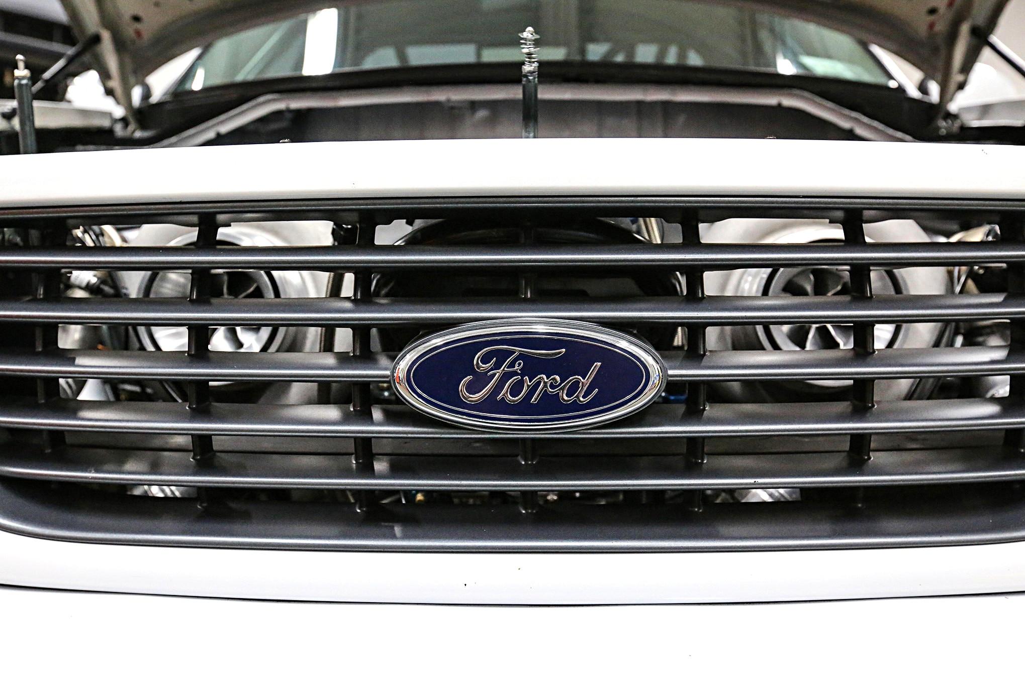 2004 Ford Lightning Yetti 16
