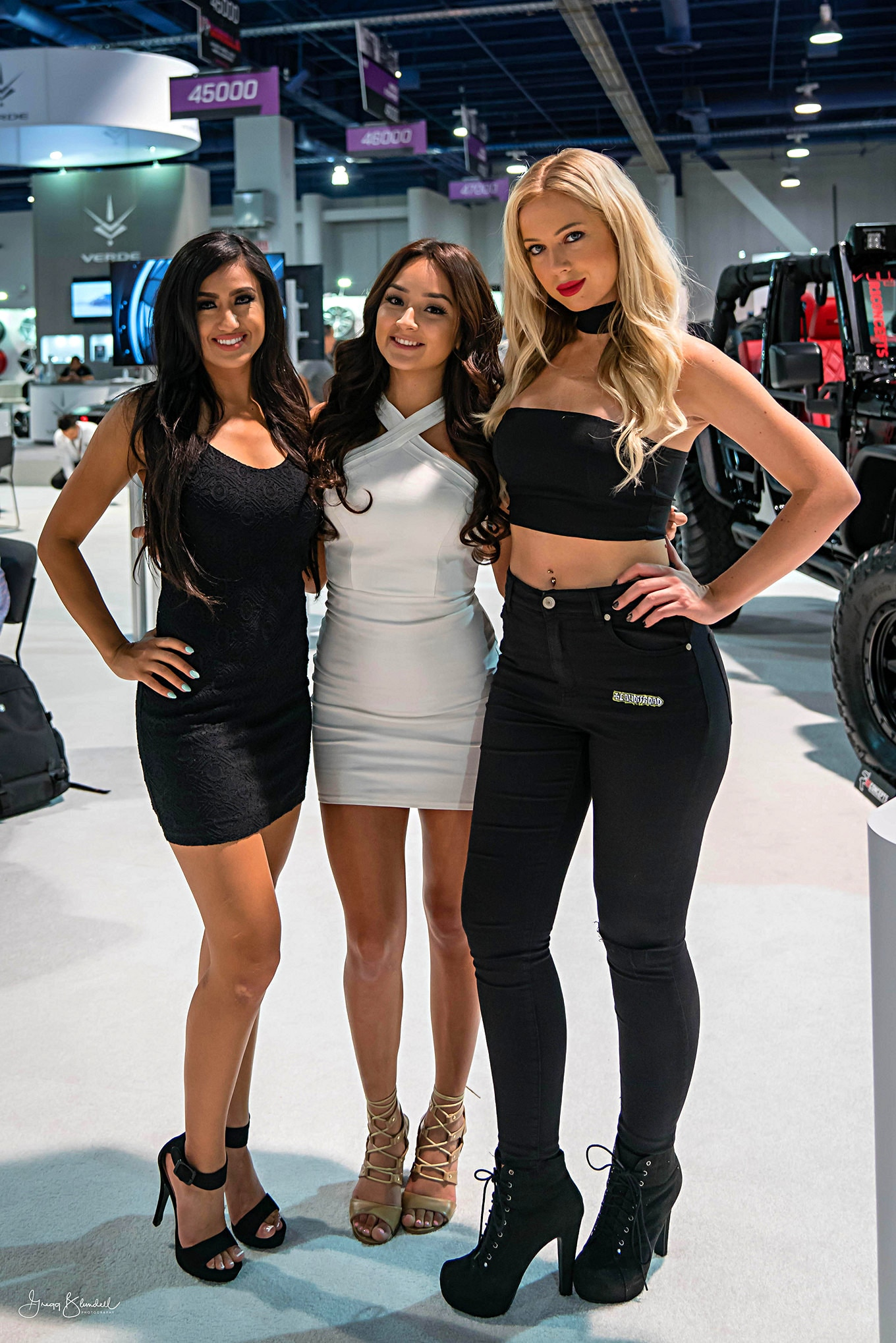 Sema 2016 Girls Booth Spokesperson 087