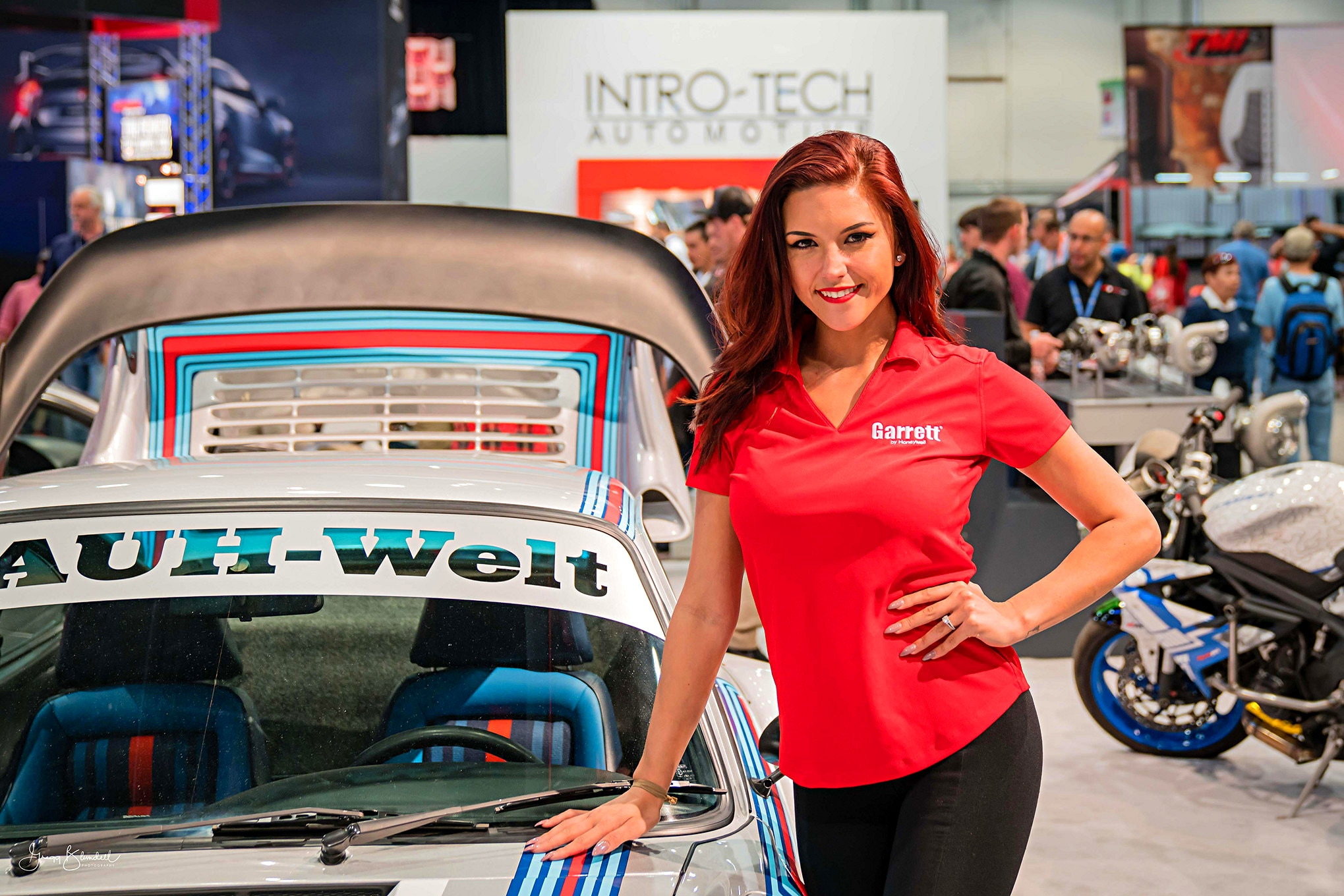 Sema 2016 Girls Booth Spokesperson 042