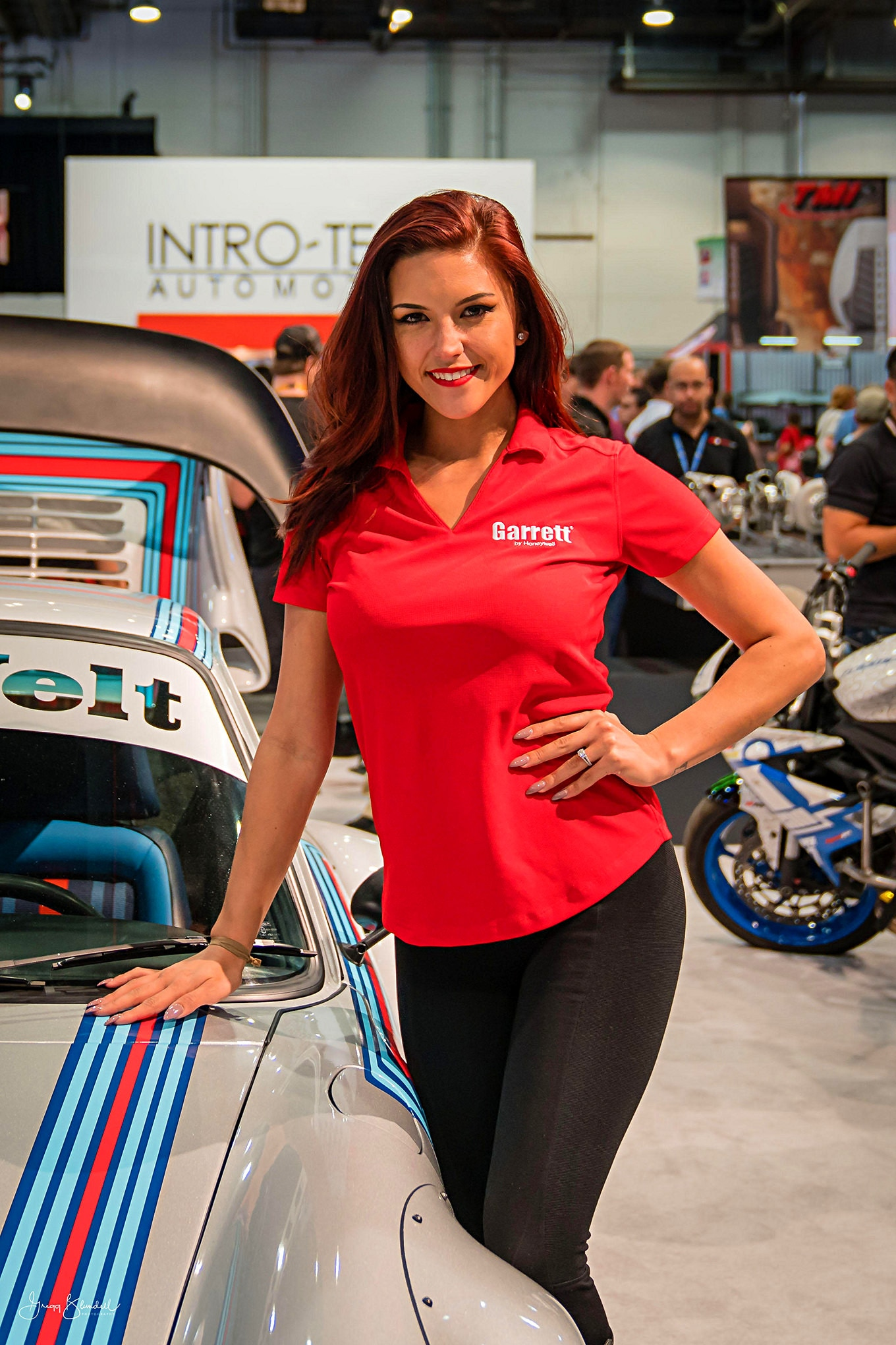 Sema 2016 Girls Booth Spokesperson 040