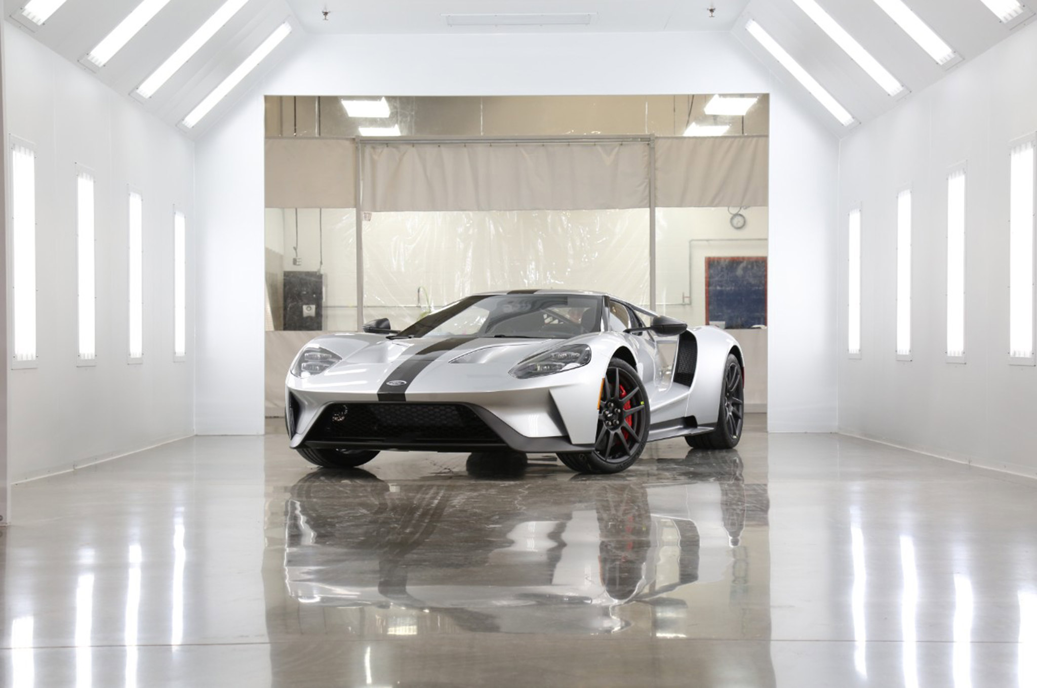 2017 Ford GT Competition Series 008 Front 3qtr Far