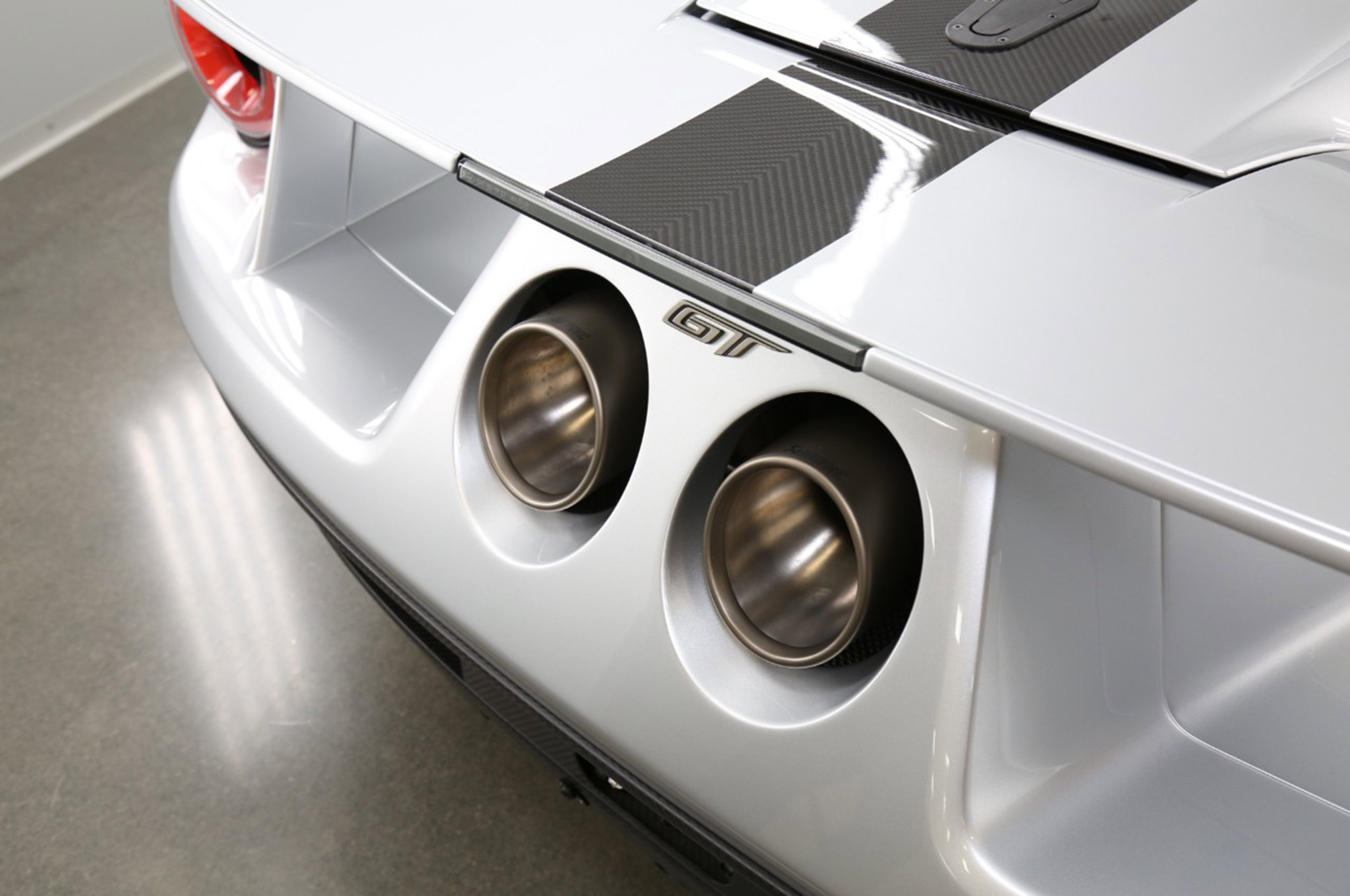 2017 Ford GT Competition Series 003 Rear Exhaust Tips