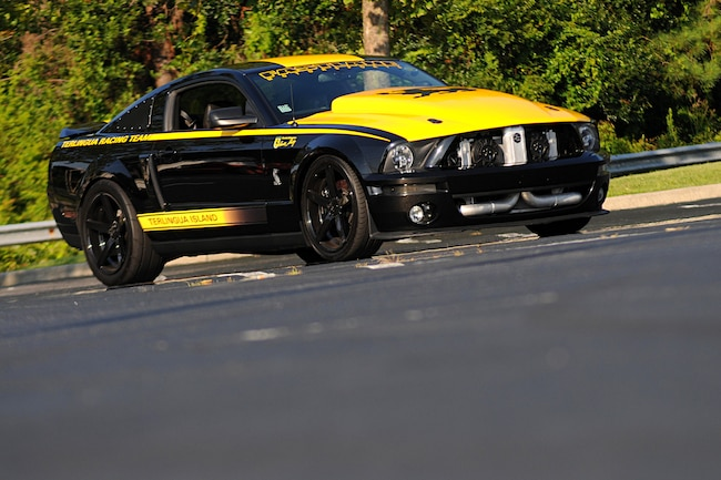 2008 Ford Mustang Terlingua Black Yellow 001