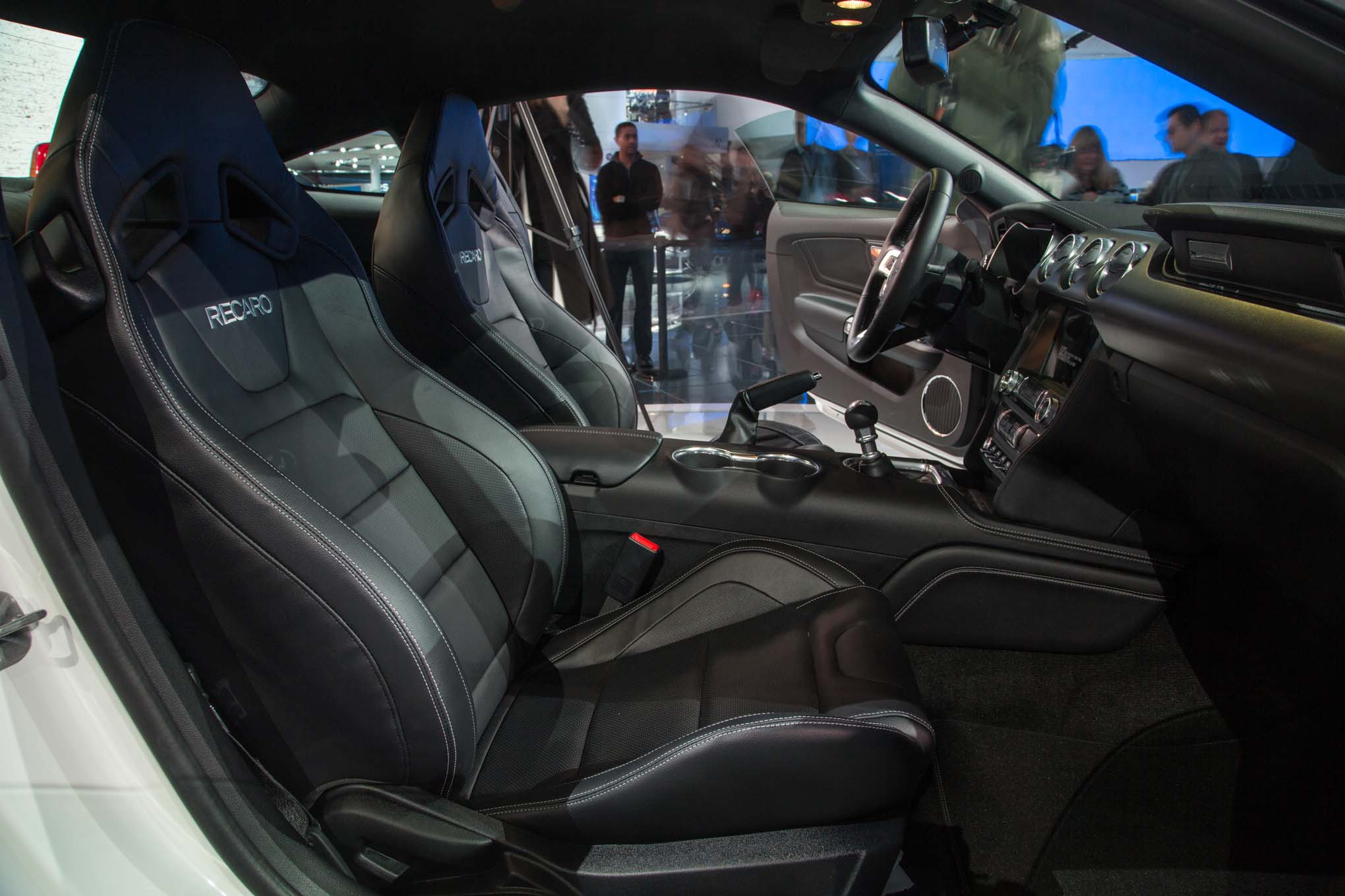 2018 ford mustang gt front interior seats
