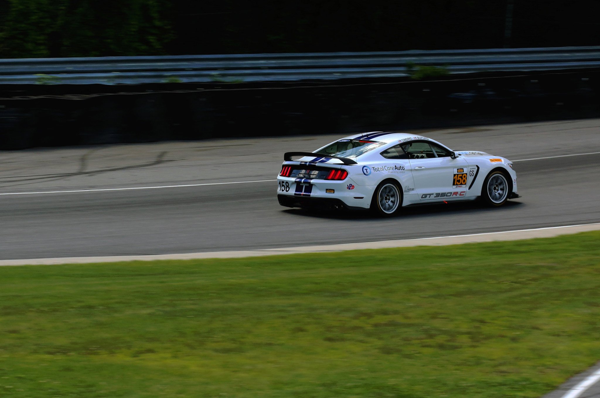 Shelby Gt350r C Takes Second Win At Lime Rock 12