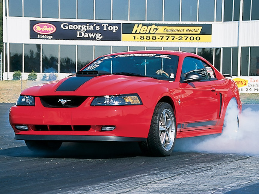 0408mm_20z Ford_Mustang Front_View_At_Track