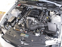 Mump_0903_04_z 2006_ford_mustang_gt Stock_engine