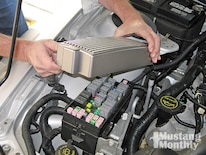 Mump_0903_07_z 2006_ford_mustang_engine Finned_cover