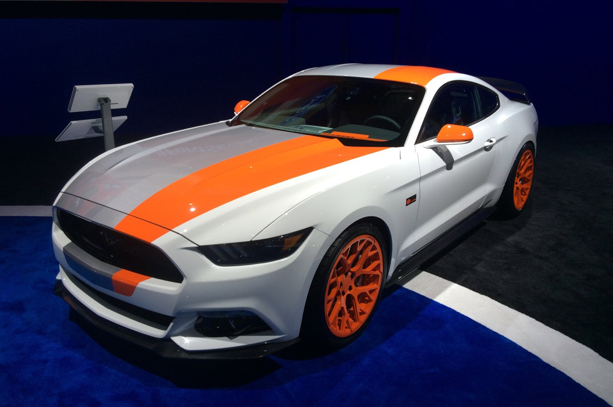 Ford Booth Sema 2015 Hot Vehicles 07 Bojix