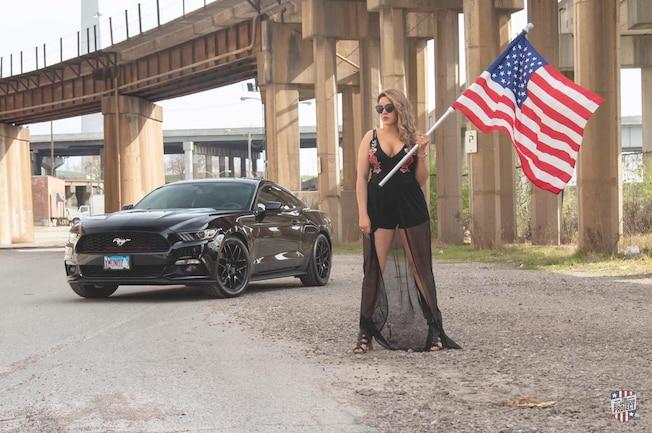 2016 Ford Mustang Yoselin 001