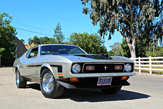 Querio 1971 Ford Mustang Mach 1 Front Three Quarter Alt 2
