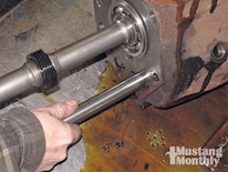 Mump_0903_09_z Ford_top_loader_transmission Countershaft_removal