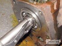 Mump_0903_13_z Ford_top_loader_transmission Tailshaft_bearing