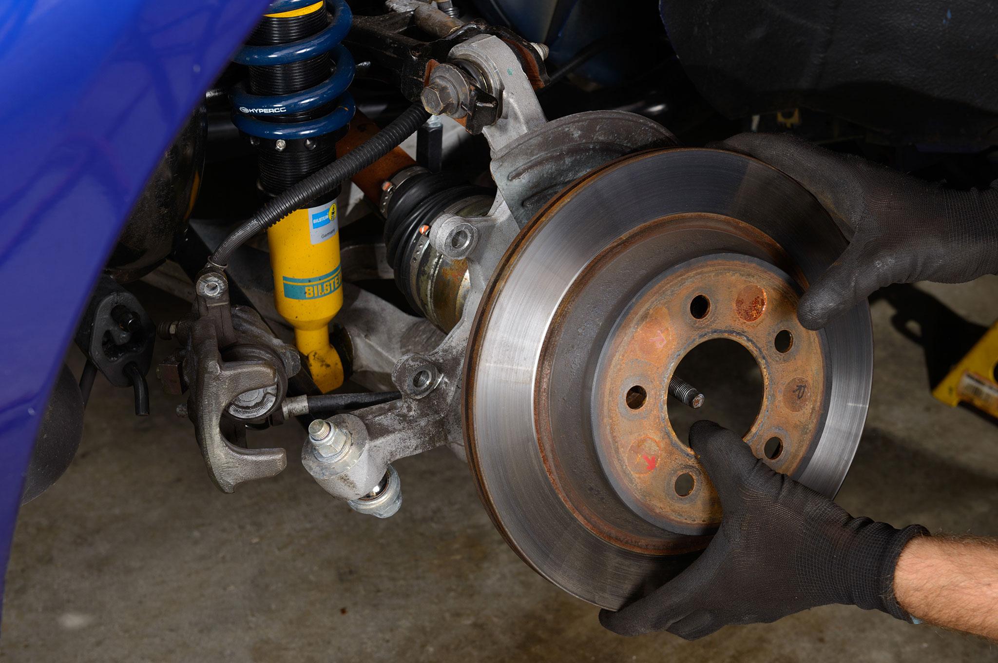 05 2003 Ford Mustang Cobra Removing Brake Rotor