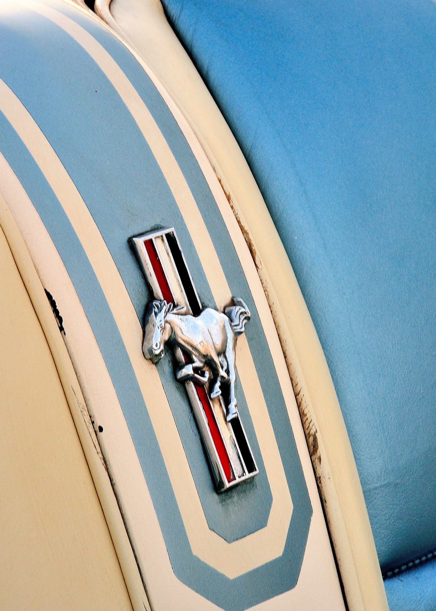 3 1963 Ford Mustang 2 Emblem