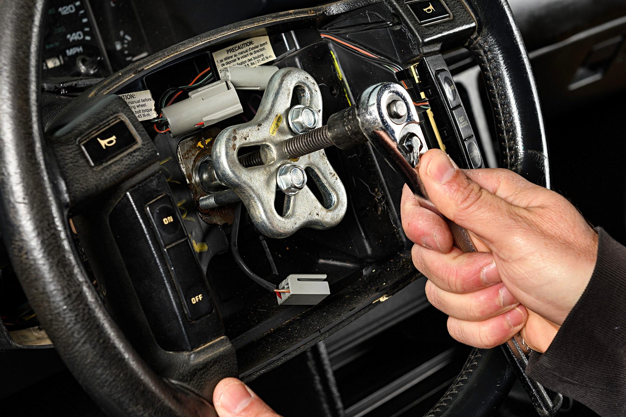 015 Mustang Steering Wheel Puller