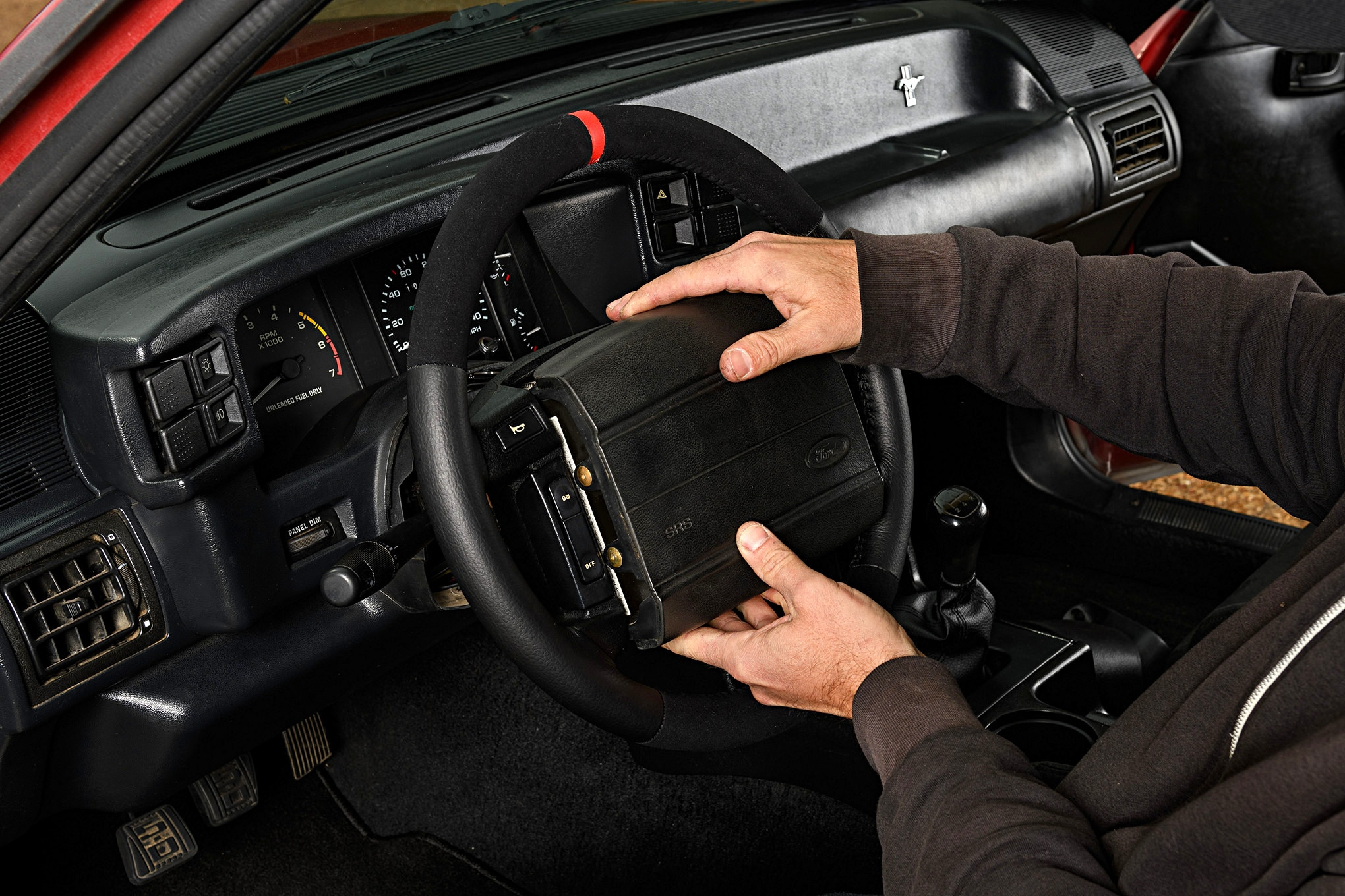 025 Mustang Steering Wheel Air Bag Installation