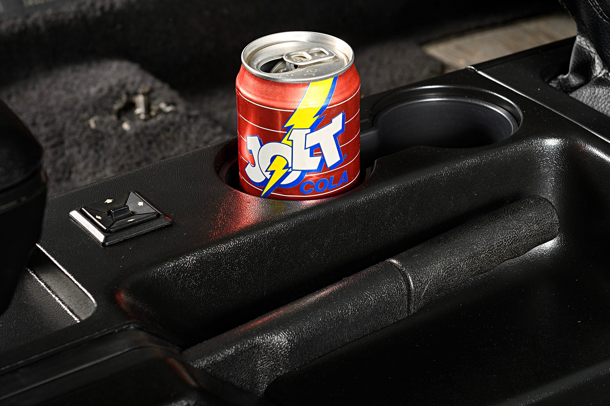 028 Mustang Center Console Lmr Cup Holder