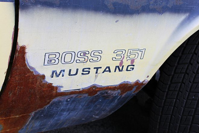 30 1971 Ford Mustang Boss 351 Yellow Fender Decal 660x440