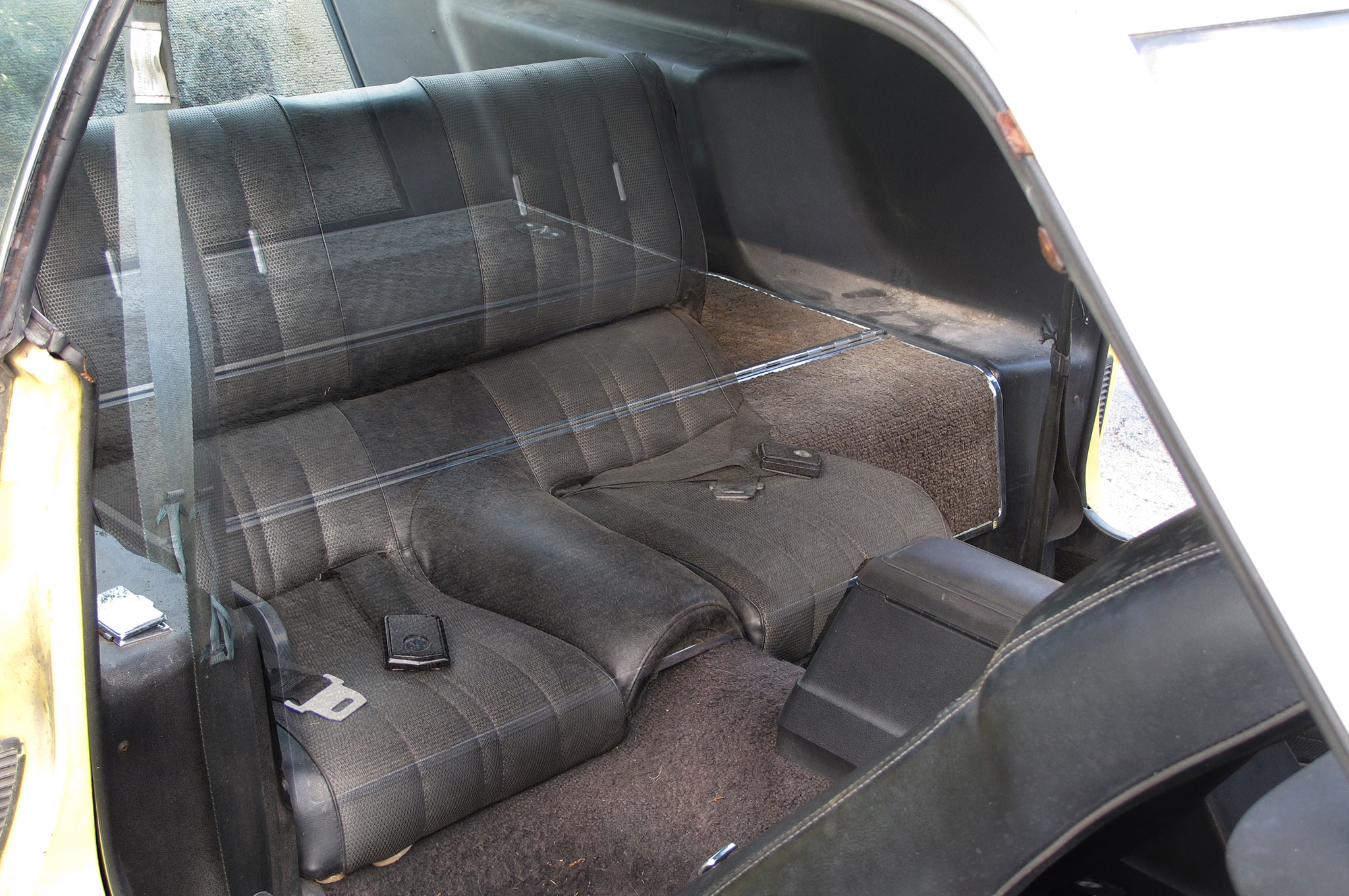 016 3 1971 Ford Mustang Boss 351s Yellow Fold Down Rear Seat