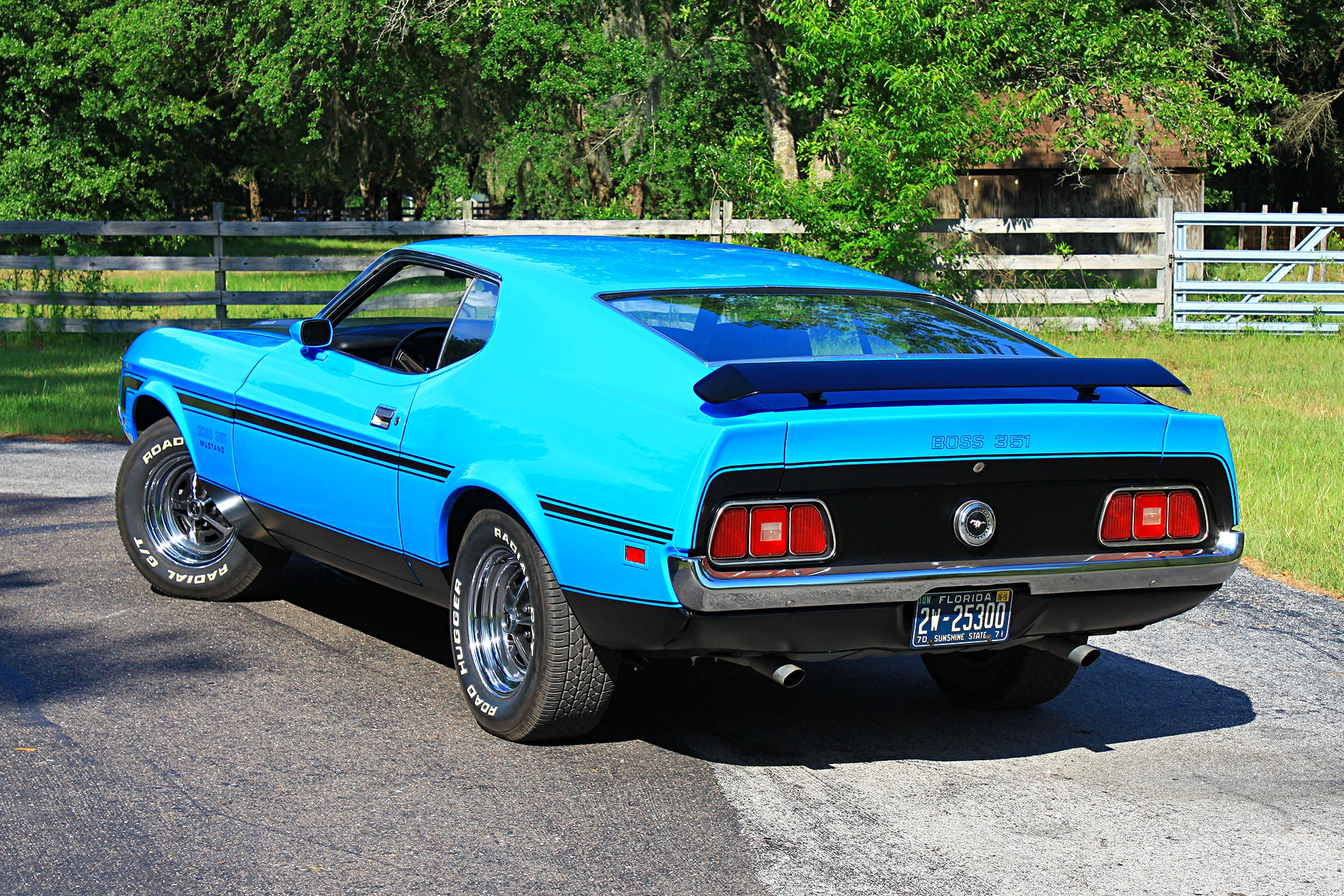 09 1971 Ford Mustang Boss 351 Blue Rear Three Quarter