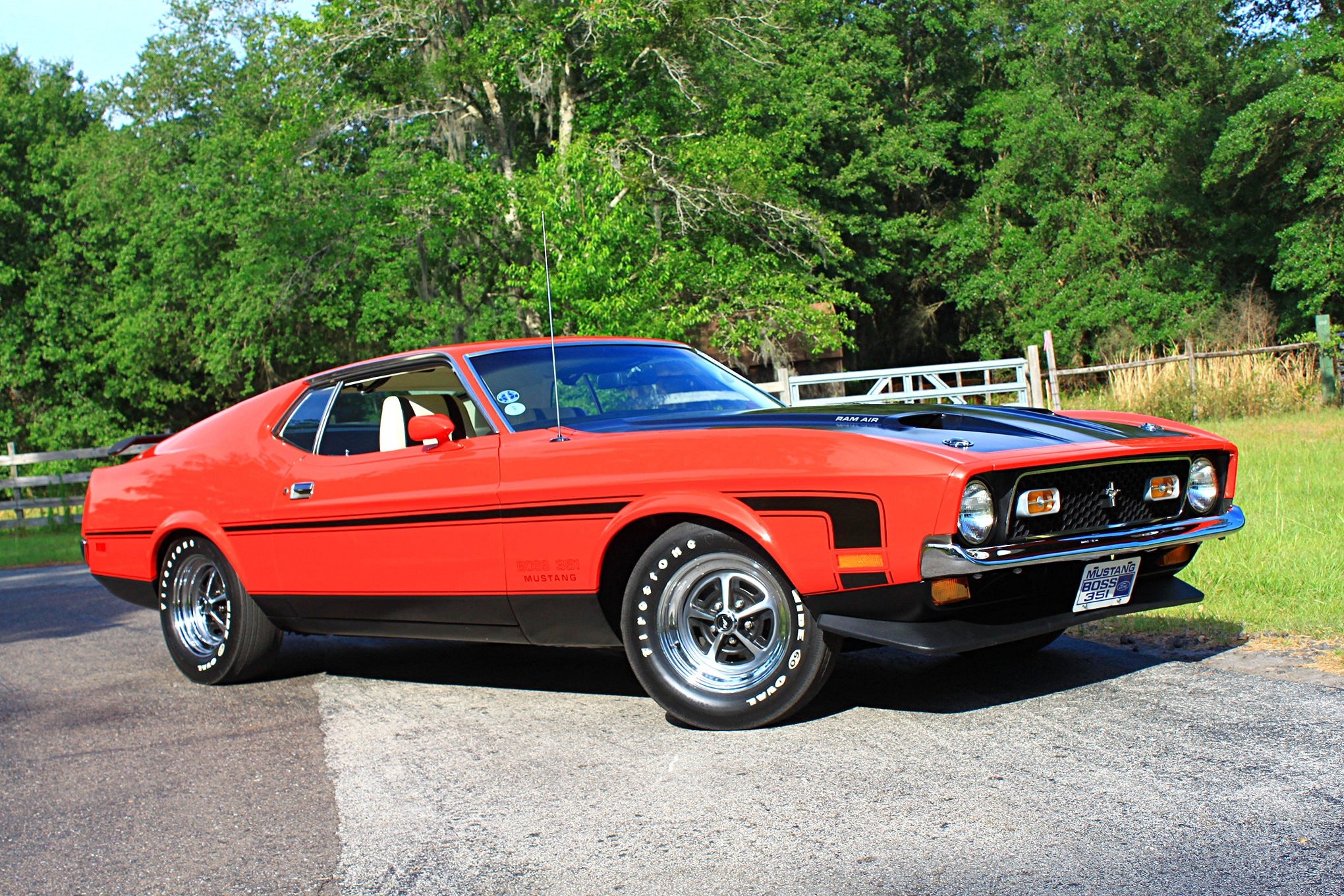 44 1971 Ford Mustang Boss 351 Red Front Three Quarter