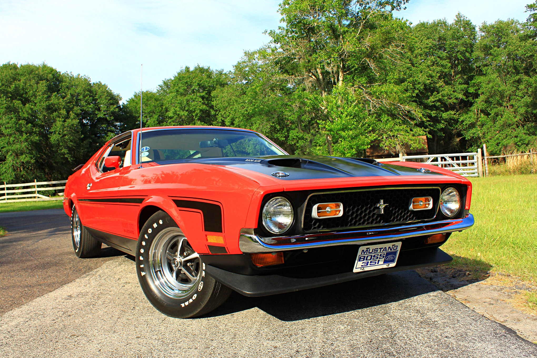 46 1971 Ford Mustang Boss 351 Red Front Three Quarter
