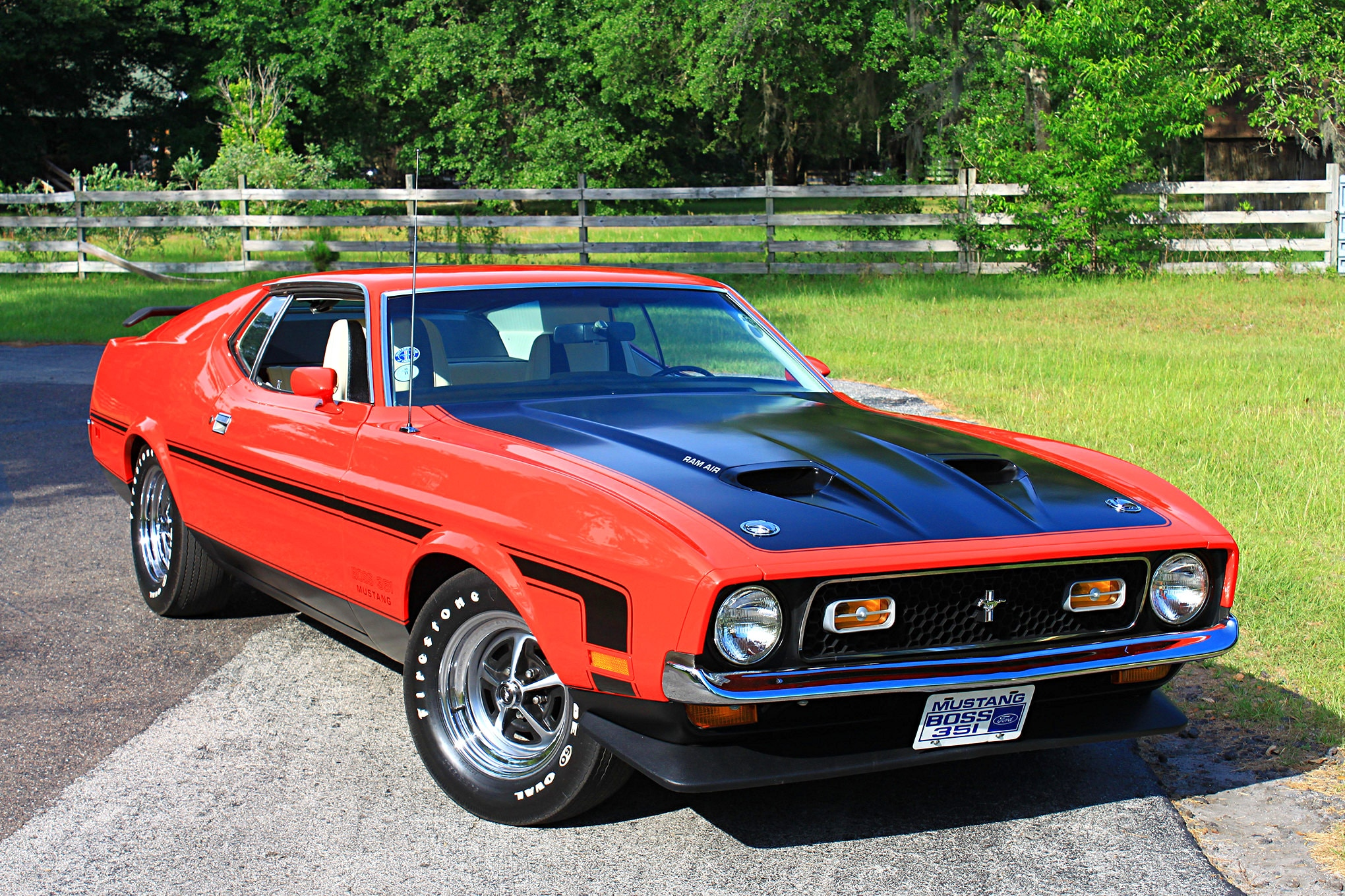 02 1971 Ford Mustang Boss 351 Red Front Three Quarter