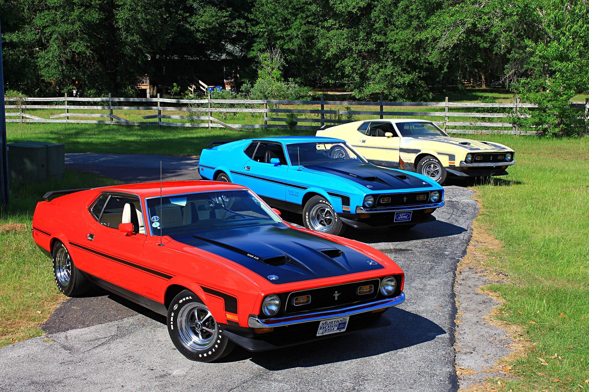 01 3 1971 Ford Mustang Boss 351s Group Shot Alt 1