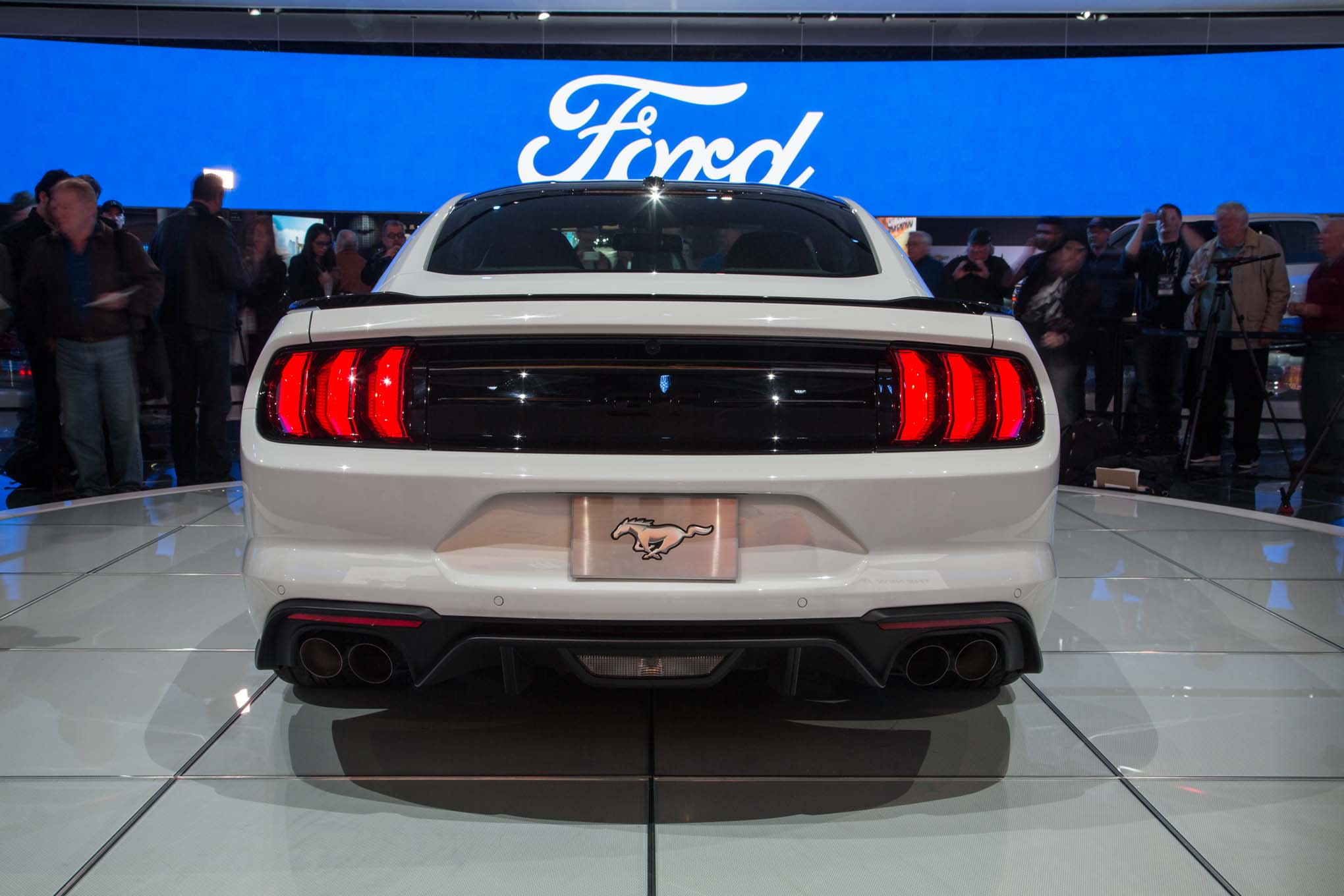 2018 ford mustang gt rear end
