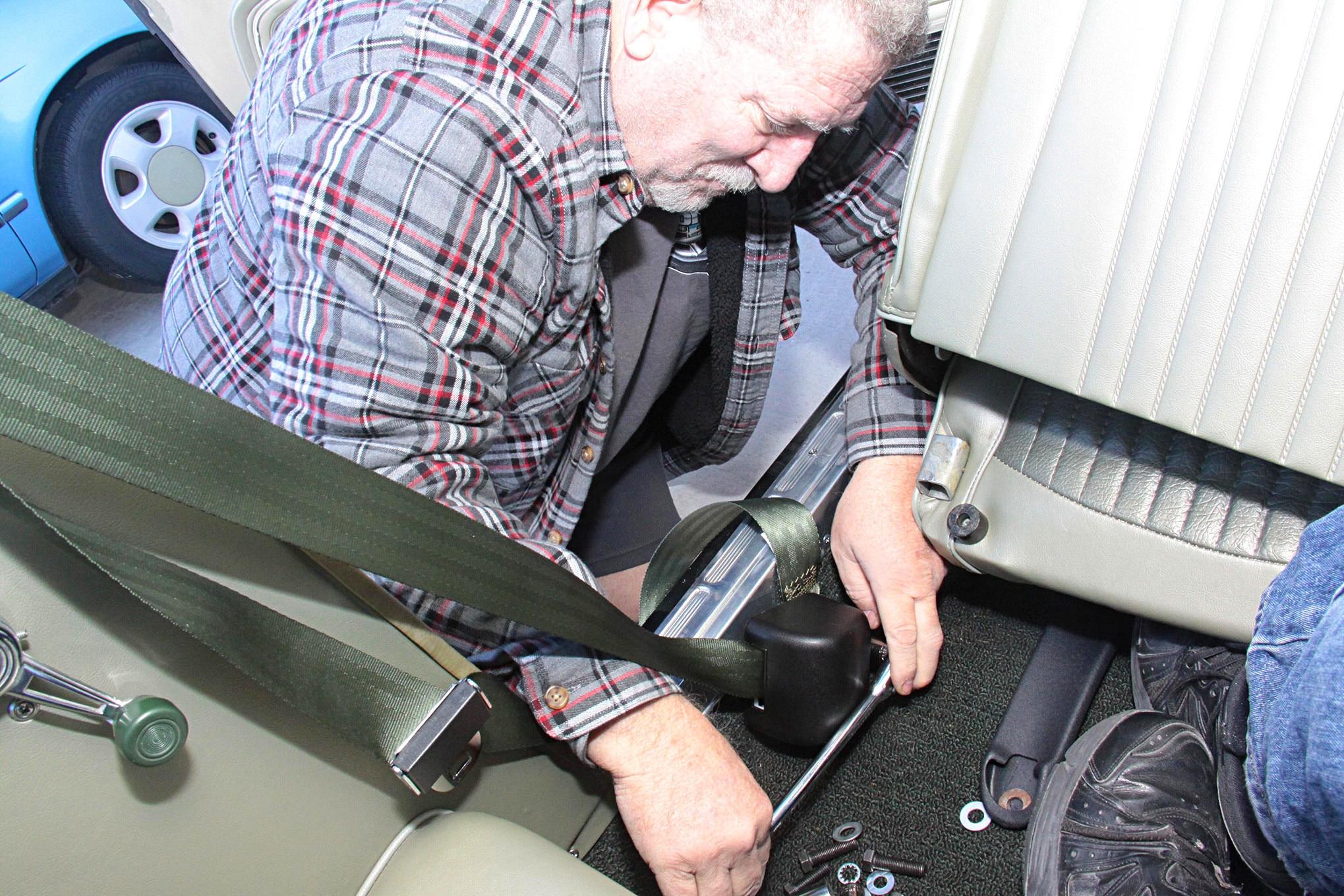 009 MORRIS CLASSIC SEAT BELTS MUSTANG
