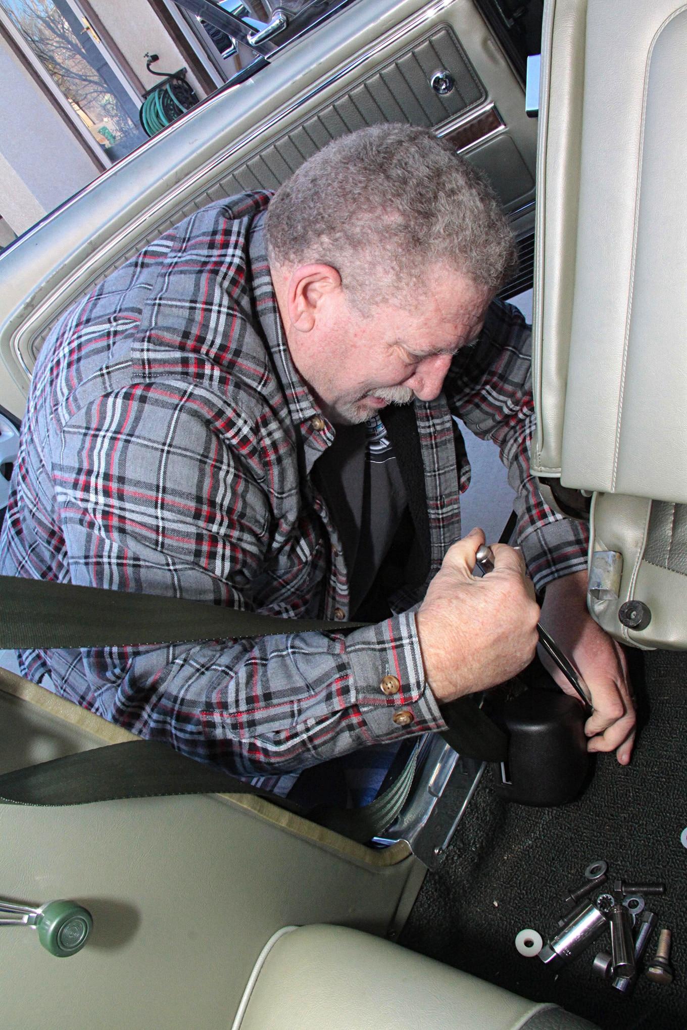 001 MORRIS CLASSIC SEAT BELTS MUSTANG