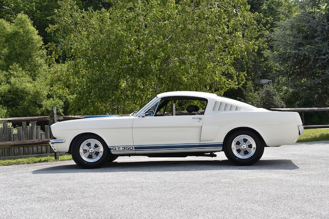 01 1965 Shelby GT 350 No10 Side View