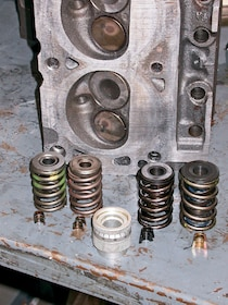 Ford Mustang Edelbrock Cylinder Heads Install and Test