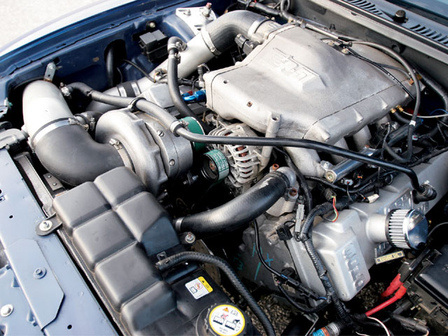 0704 Mmfp 02 Z 2002 Ford Mustang Engine Photo 25473908
