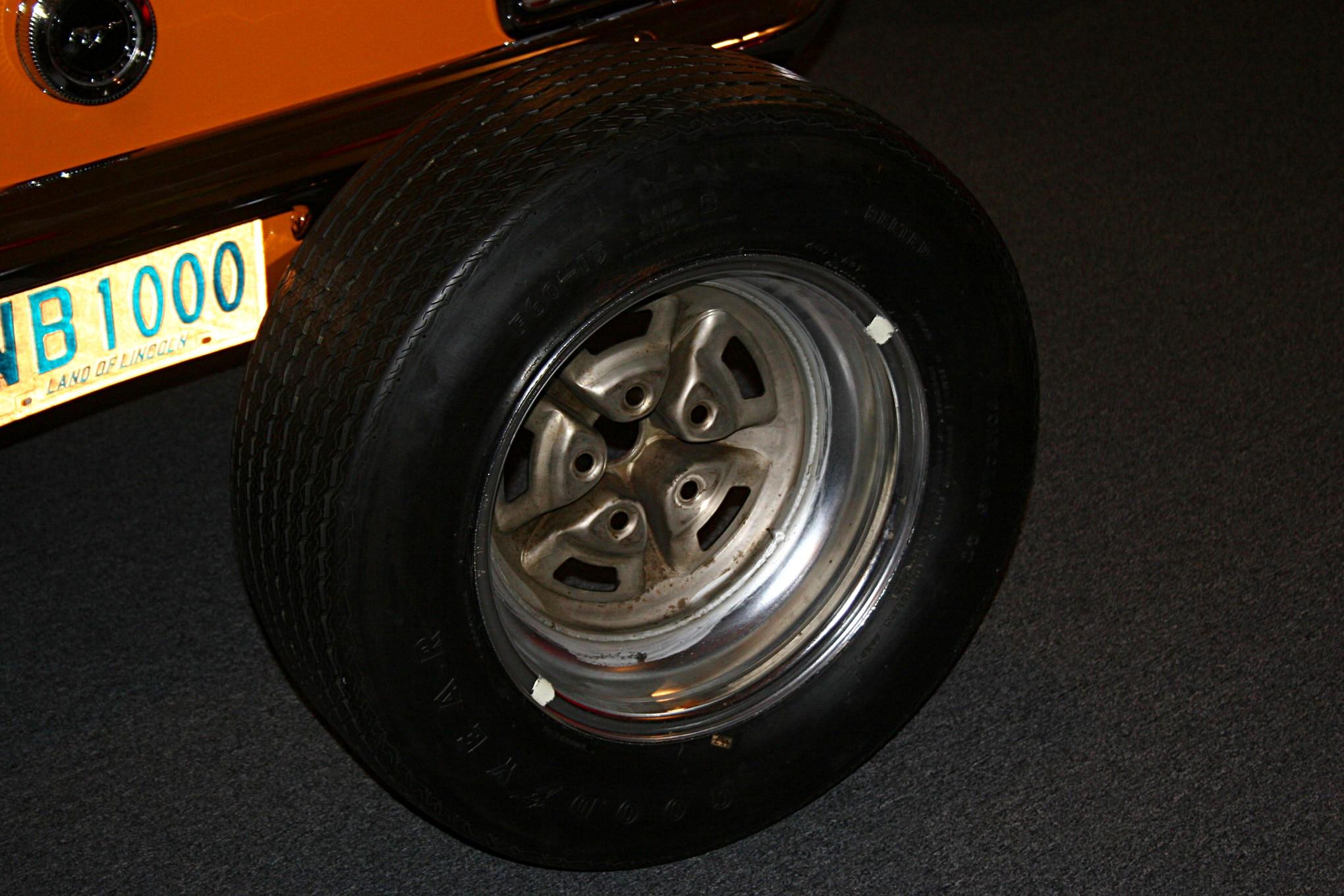 005 Mustang Restoration Technical Questions Wheel Paint Daub