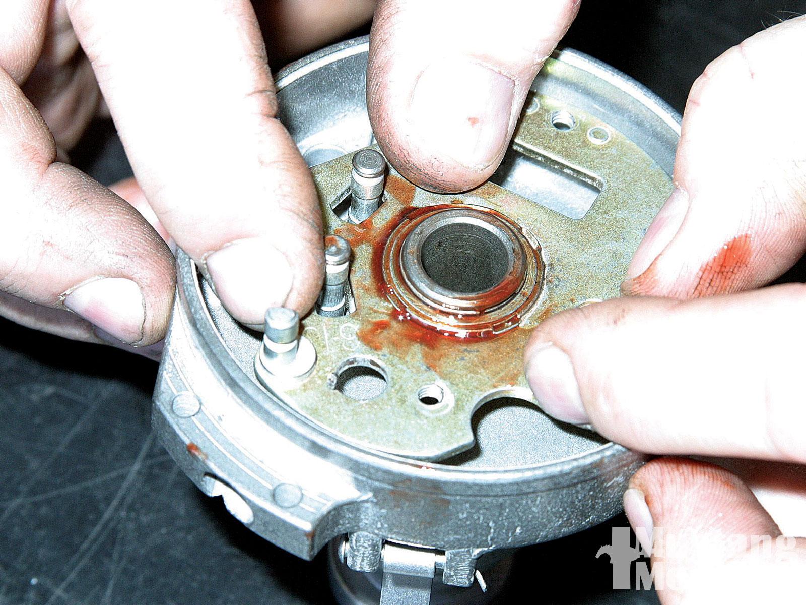 Mump 1001 07  Autolite Loadomatic Distributor Rebuild Breaker Plate Pivot
