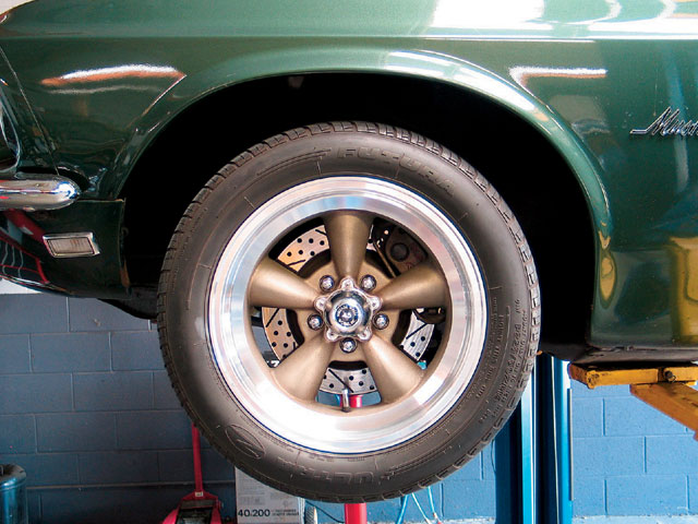 65 mustang tire size