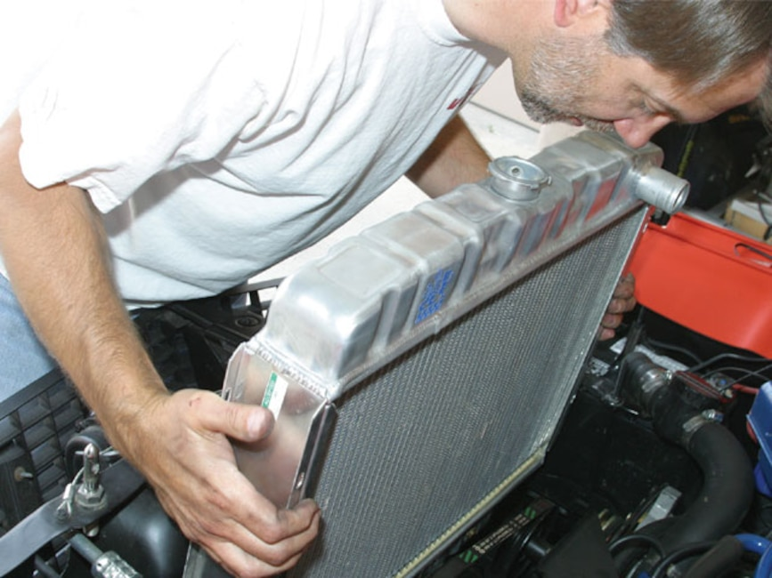 0610_mump_01z Classic_ford_mustang Aluminum_radiator_engine